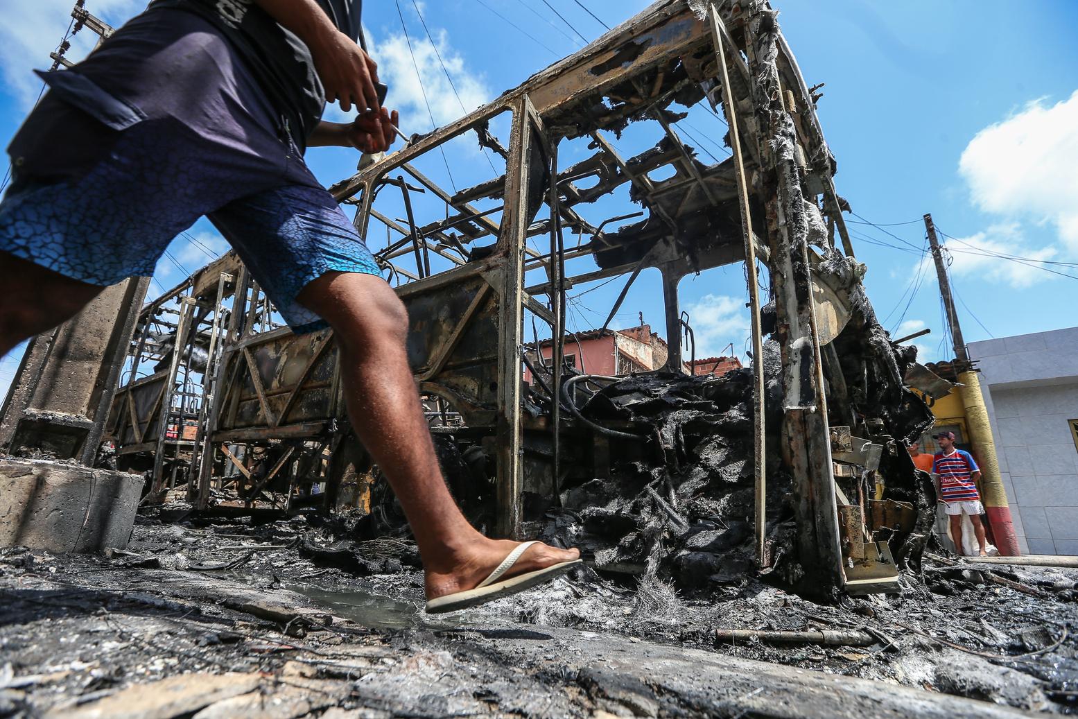 Destaque Policial Ataques criminosos confirmados no Ceará somam mais de 80