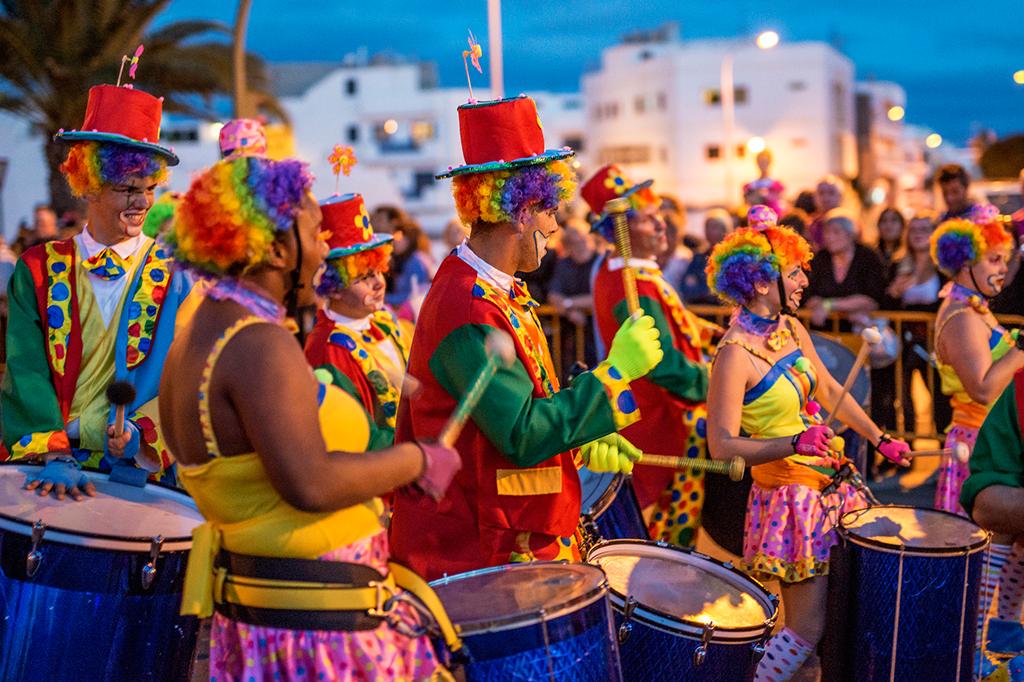 Carnaval não é feriado nacional, e seu salário pode ser descontado