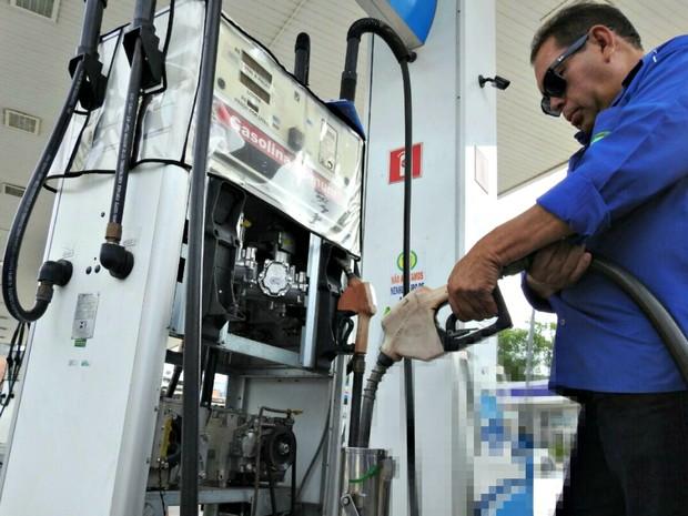 Preço da gasolina sobe e acumula alta de 3,5% em um mês