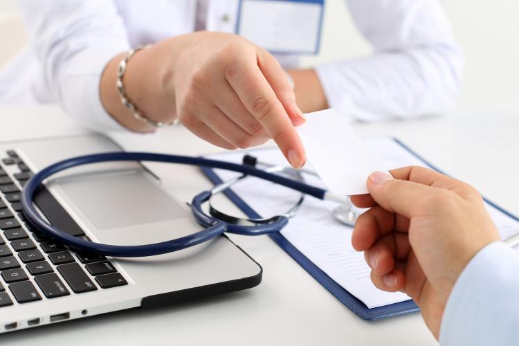 Senado aprova fim de carência de planos de saúde para emergência