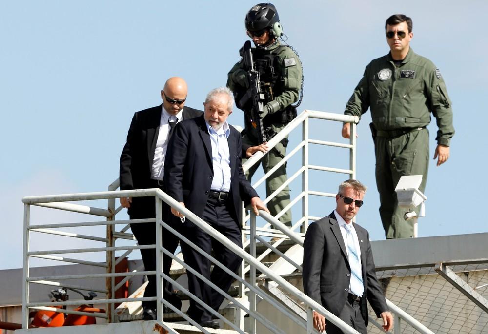 Gilmar Mendes libera para julgamento pedido de liberdade de Lula que aponta suspeição de Moro