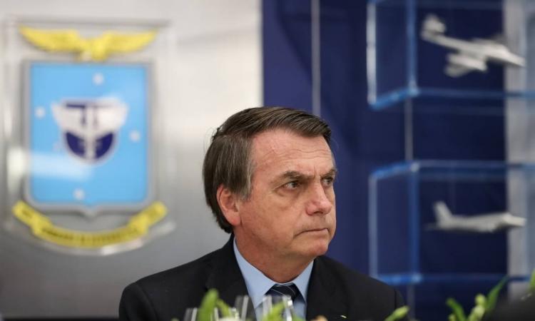 Em meio a tensão, Bolsonaro chega ao Nordeste para inaugurar aeroporto na Bahia