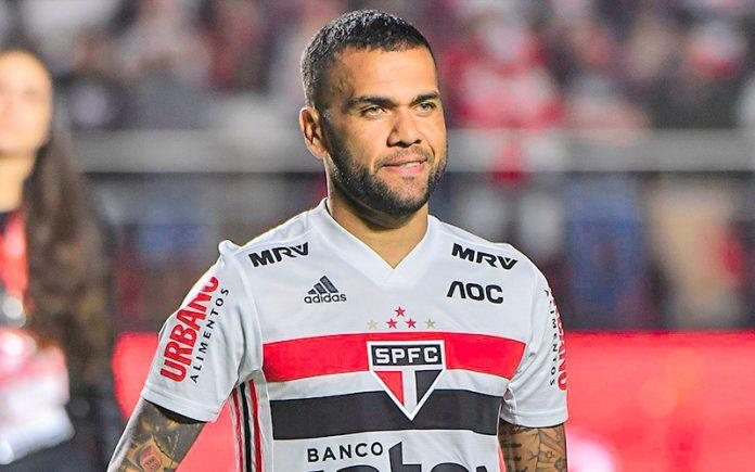São Paulo vence o Ceará no Morumbi, com estreia de Daniel Alves