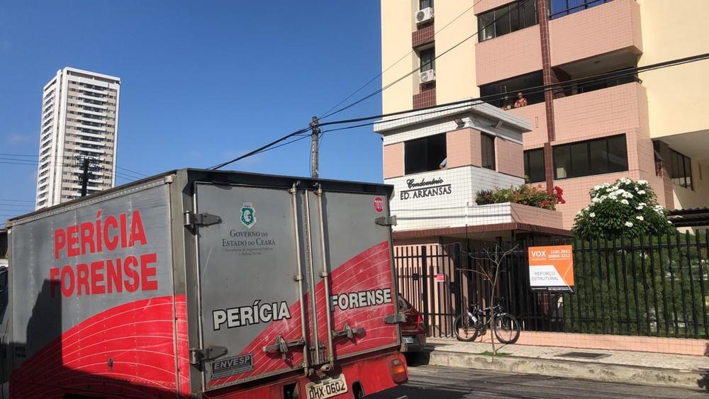 Homem é encontrado morto após incêndio no apartamento onde ele morava em Fortaleza