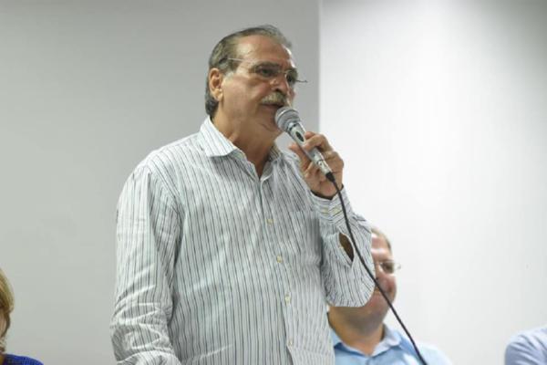 Santa Quitéria: pedido de cassação contra o prefeito Tomás Figueiredo é protocolado na Câmara