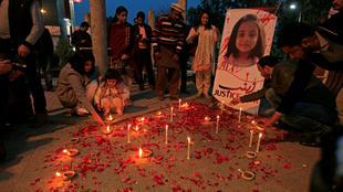 Paquistão aprova lei contra o abuso infantil com pena de prisão perpétua