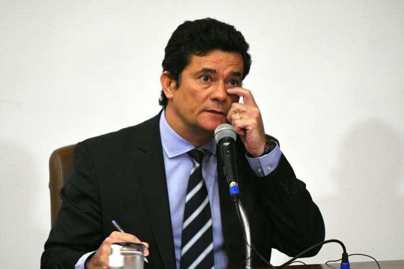 Sergio Moro manda indireta a Bolsonaro após prisão de Fabrício Queiroz