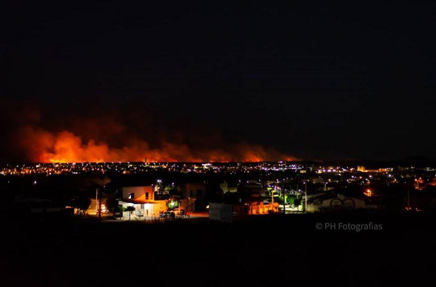 Santa Quitéria em chamas: bombeiros iniciam a semana controlando mais um incêndio na zona rural