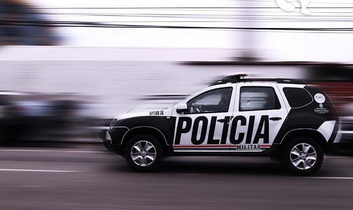 Polícia fecha festa de vaquejada com cerca de 600 pessoas na zona rural de Catunda