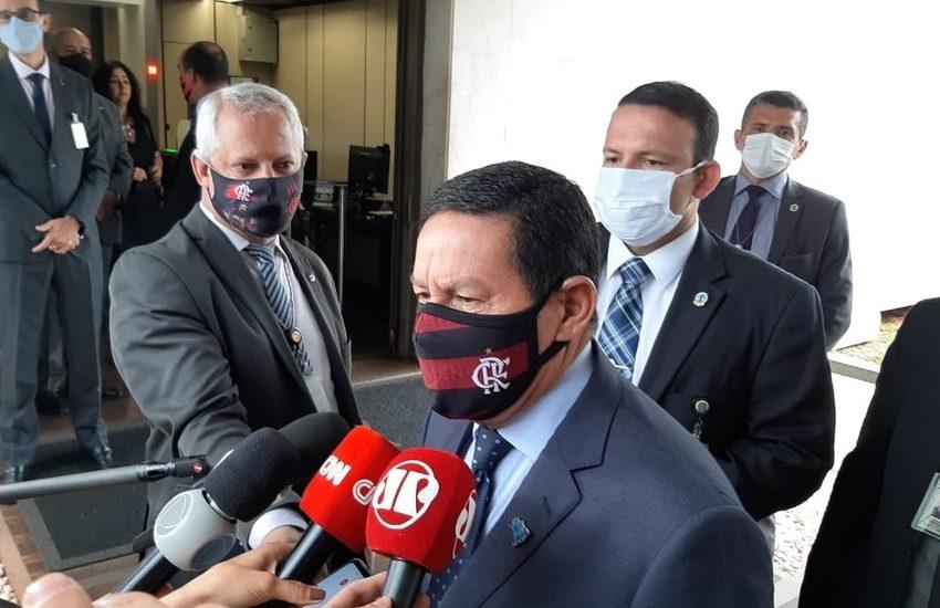 Governo prorrogará presença das Forças Armadas na Amazônia Legal até abril de 2021, diz Mourão