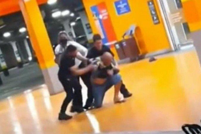 Homem negro morre após ser espancado por segurança e PM em supermercado de Porto Alegre