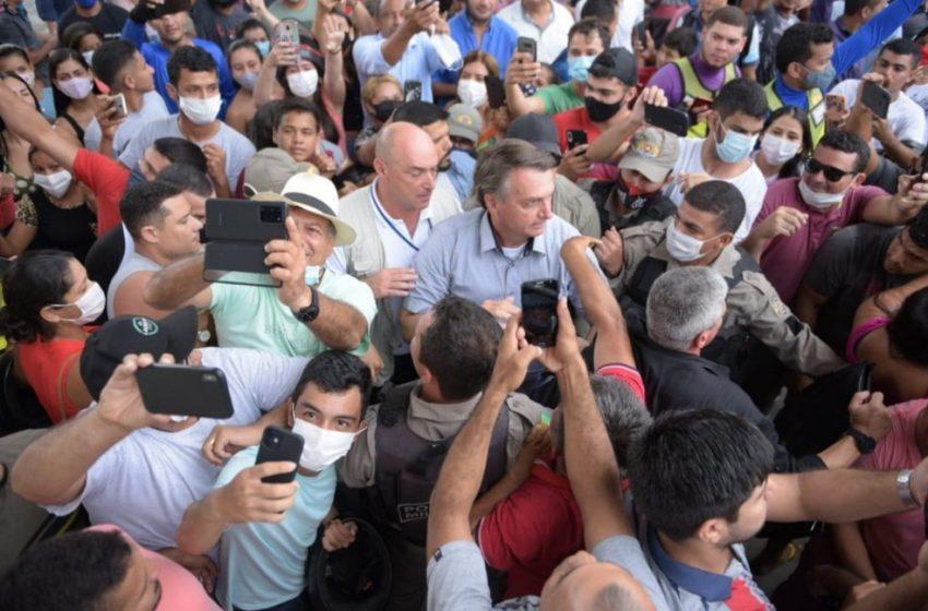 MPF do Ceará pede a Aras investigação contra Bolsonaro por conta de visita ao Ceará