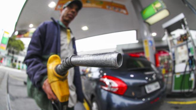 Preço médio da gasolina no Ceará cai pela primeira vez no ano