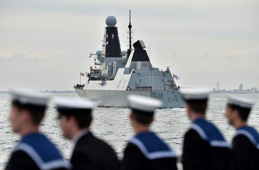 Rússia lança disparos de advertência contra navio britânico no mar Negro